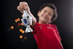 有赖买丹月灯笼的愉快的男孩 库存照片