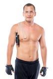 有赤裸乳房的在肩膀的运动员和绳索 免版税库存图片
