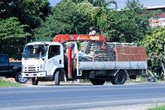 有起重机的私有卡车 免版税库存照片
