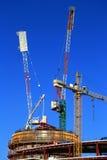 有起重机的建造场所 免版税图库摄影
