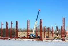 有起重机的建造场所 库存图片