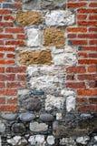 有趣的砖和石墙 免版税库存照片