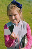 有辅助部件的女孩phototshoot的 免版税库存图片