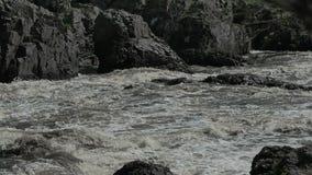 有迅速潮流的乌拉尔河 股票录像