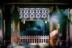 有透明帷幕的法坛在Hikawa jinja寺庙,大宫, Sa 免版税库存图片