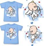 有逗人喜爱的天使的孩子衬衣打印的 库存照片