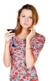 有酒精饮料的美丽的少妇 免版税库存图片