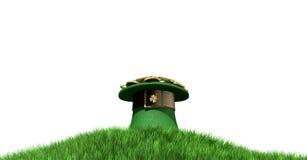 有金子的妖精帽子在草山 免版税库存图片