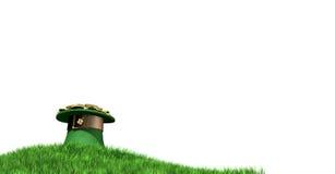 有金子的妖精帽子在草山 免版税库存照片