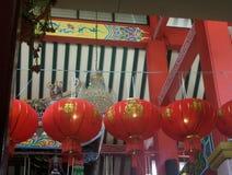 有金油漆艺术性的设计的朱红色的灯笼 免版税库存图片