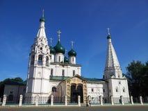 有钟楼的大教堂 库存照片