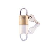有钥匙的新的锁 beeing的概念连接集中查出的射击工作室包围的技术白色 库存照片