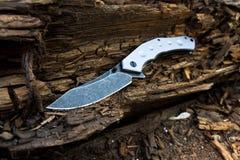 有铝把柄的刀子 1个刀片刀子军用无格式武器 库存照片