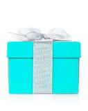 有银色丝带和弓的蓝色礼物盒 库存图片