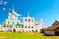 有银色圆顶的俄国教会 免版税库存照片