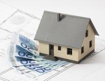 有银行业的提供经费给的新的家 免版税库存照片