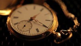 有链子的被停止的古色古香的时钟 股票视频