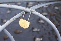 有锁的桥梁 彼得罗扎沃茨克俄罗斯2015年10月18日 图库摄影