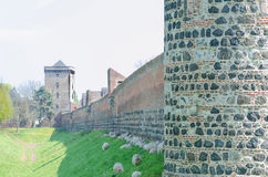 有锐利的中世纪墙壁 免版税库存照片