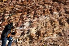 有镐的探油矿者 免版税库存照片