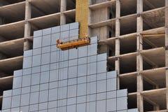 有镜子瓦片的建造场所 库存照片