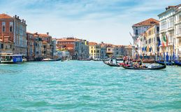 有长平底船的大运河在威尼斯,意大利 免版税图库摄影