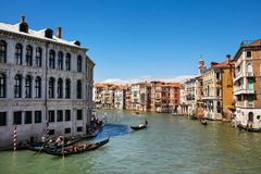 有长平底船的大运河威尼斯 免版税库存照片