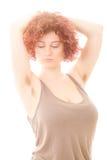 有长毛的腋窝的妇女 免版税图库摄影