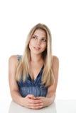 有长的头发的白肤金发的妇女 库存照片