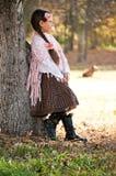 有长的辫子的美丽的小女孩 图库摄影