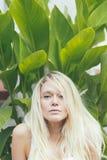 有长的头发的可爱的女孩金发碧眼的女人 免版税库存图片