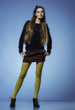有长的直发的青少年的女孩 免版税库存照片