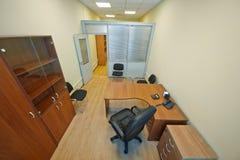 有门户开放主义的办公室内阁 免版税库存图片