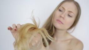 有问题的长的头发 影视素材