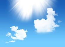 有阳光和白色天空的蓝色天堂 库存照片