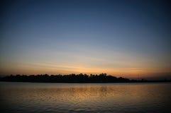 有阳光的湖 免版税库存照片
