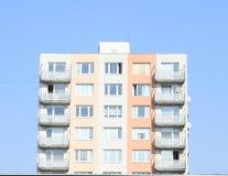 有阳台的预制的房子 免版税库存照片