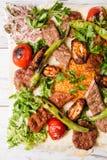 有阿达纳和鸡的Keb土耳其传统混杂的Kebab板材 免版税库存图片