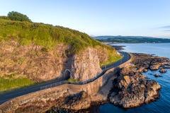 有隧道的,北爱尔兰,英国沿海路 图库摄影