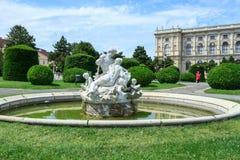有雕塑的喷泉在维也纳,奥地利 免版税库存图片