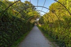 有雕塑的Mirabell宫殿和庭院在萨尔茨堡 免版税库存图片