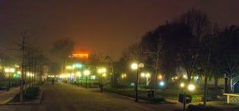 有雾的夜在波摩莱 建造者 库存图片