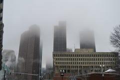 有雾的大厦在冬天以后在波士顿, 2016年12月11日的美国猛冲 库存图片