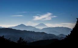 有雾的富士山 免版税库存照片