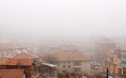 有雾的屋顶 库存图片