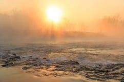 有雾的急流 图库摄影