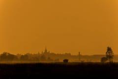 有雾的日落 图库摄影