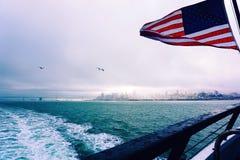 有雾的旧金山湾 免版税库存照片