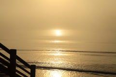 有雾的早晨海洋13 免版税库存照片