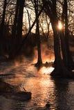 有雾的河日出 图库摄影